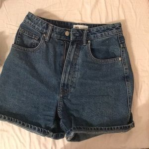 Zara high waisted mom denim jean shorts size 2